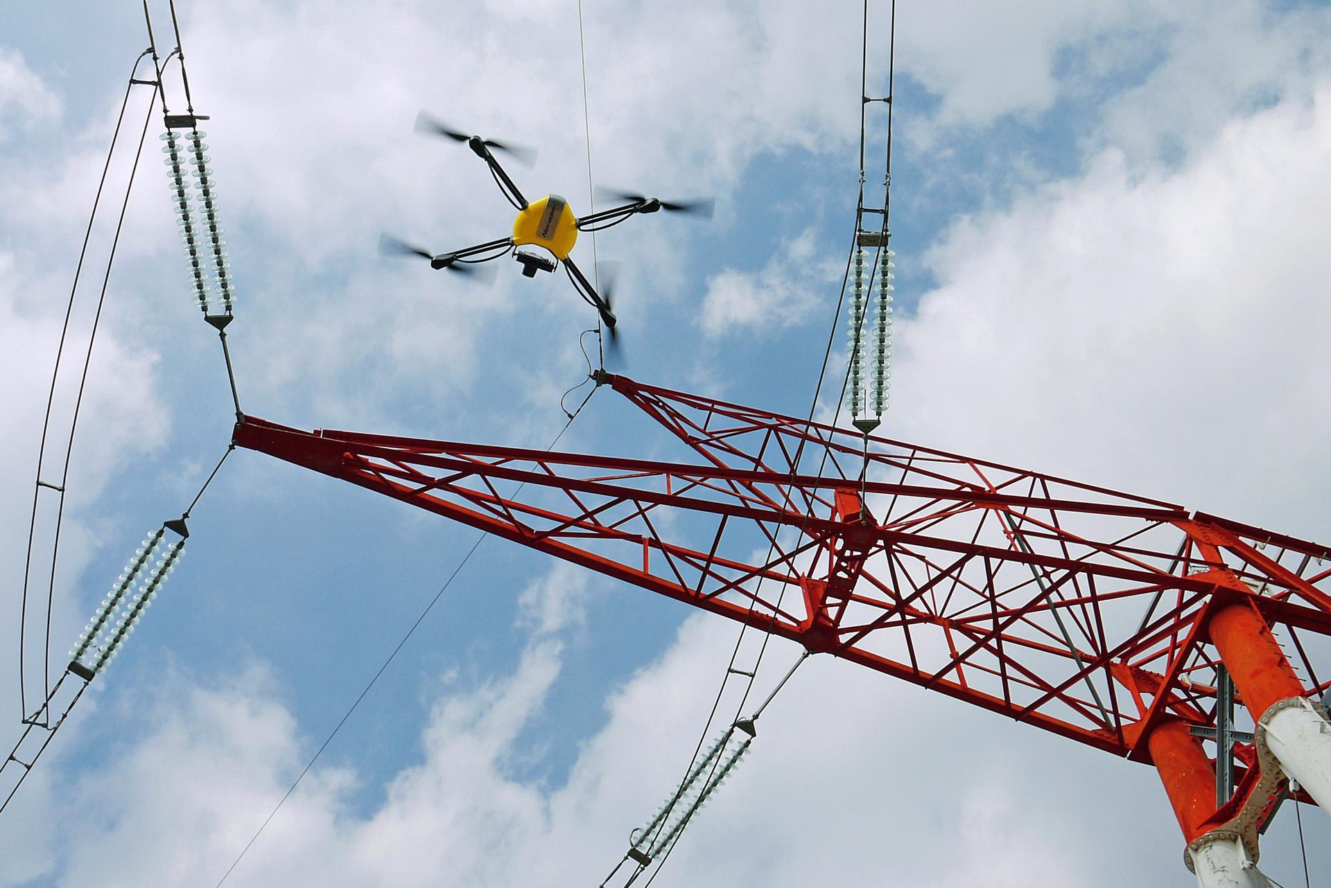 Inspection pylône RTE par drone