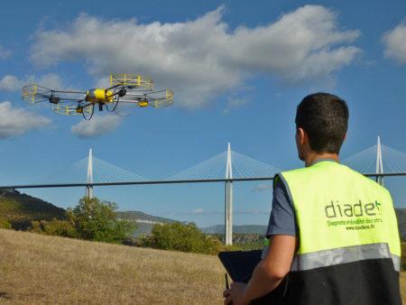 Drone U130 lors de l'inspection du viaduc de Millau