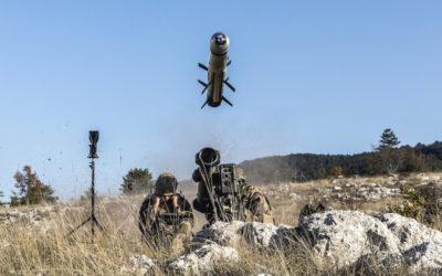 Réussite d'un tir de Missile Moyenne Portée (MMP) avec désignation d'objectif par micro-drone NX70