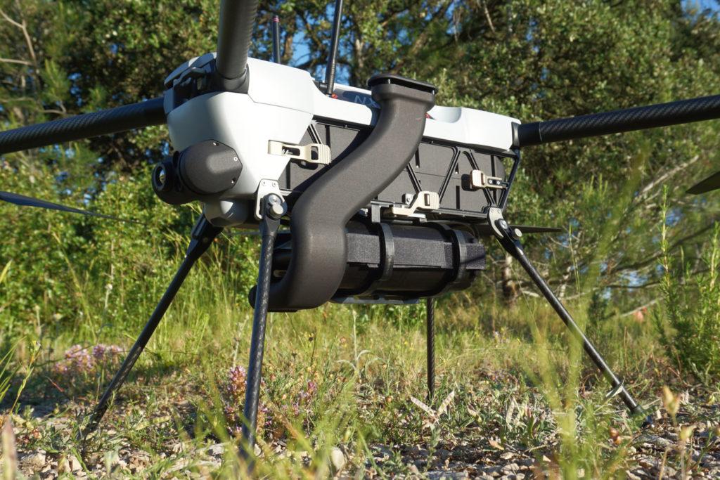 Mini-drone NX160 Novadem équipé du détecteur chimique AP4C+ de Proengin